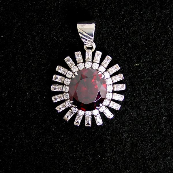 garnet_w_czs_pendant